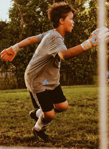 Чем занять ребенка летом? Все «за» и «против» спортивных детских лагерей
