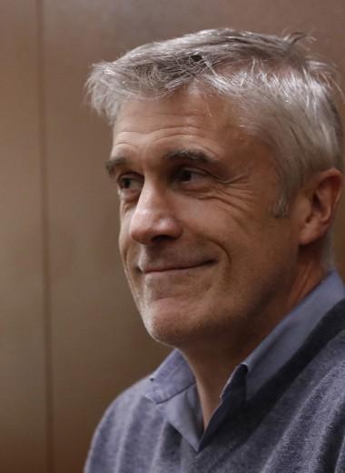 «Не удивлюсь, если Майк не захочет выйти». Богуславский и Варданян — о возможном домашнем аресте Калви