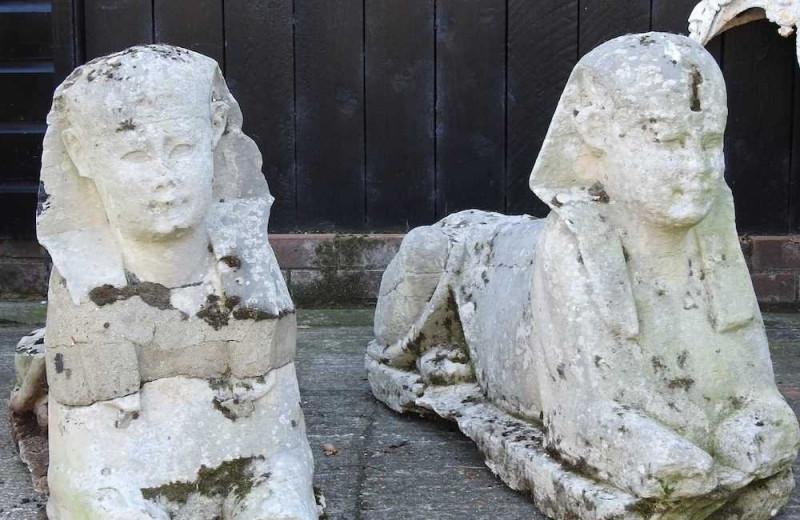 Дешевые садовые статуи, выставленные на аукцион, оказались древнеегипетскими артефактами