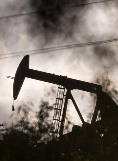 Нефти ничто не поможет: куда заведет экономику падение цен на углеводороды