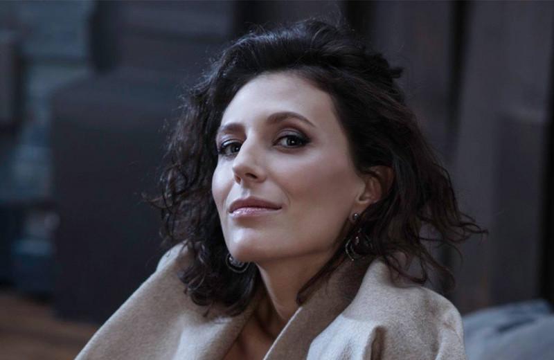 «В кино не бывает бывших заслуг»: режиссер Наташа Меркулова — о работе с Netflix и сериале «Анна К.»