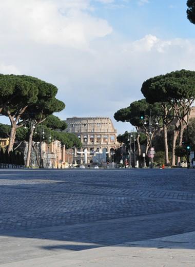 «Отойдите друг от друга на метр». Репортаж из закрытого на карантин Рима