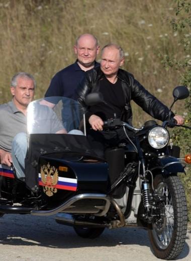 Путин ехал без шлема. Юрист объяснил, почему так можно