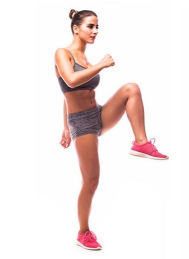 7 упражнений, которые «похудеют» тебя на карантине