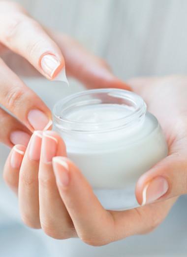 От ухода до макияжа: как правильно наносить крем