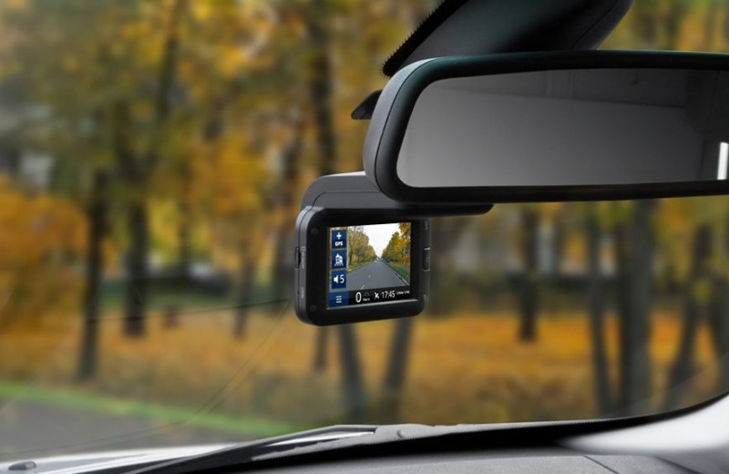 Как выбрать видеорегистратор для автомобиля 2018-2019?