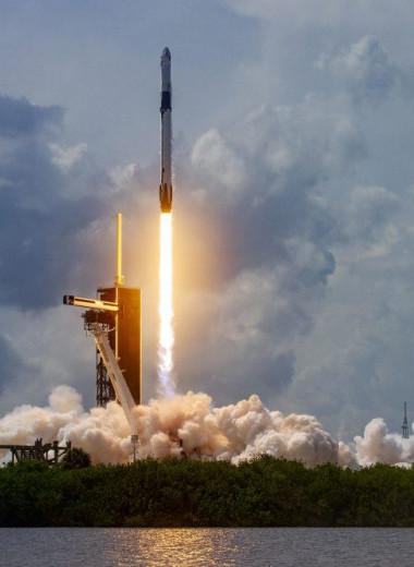SpaceX однажды оставила инженеров на острове в океане без еды, и они устроили бунт, утверждает новая книга