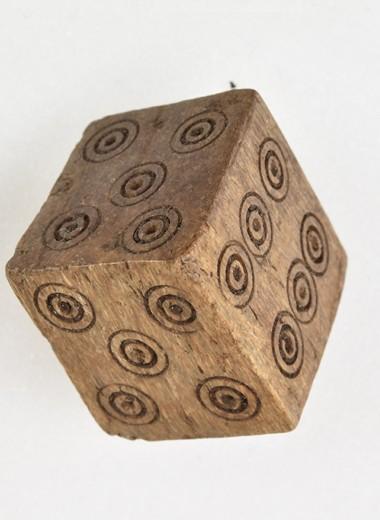 Древний игральный кубик жуликов найден в Норвегии