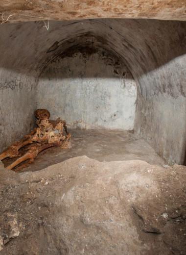 В Помпеях найдены останки раба с необычной судьбой