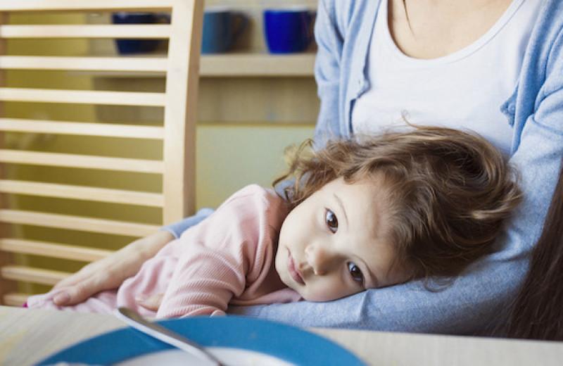 «Мы не просили тебя рожать»: сестра и мама осуждают мое решение