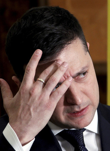 Зеленский и судья: как Украина столкнулась с конституционным кризисом