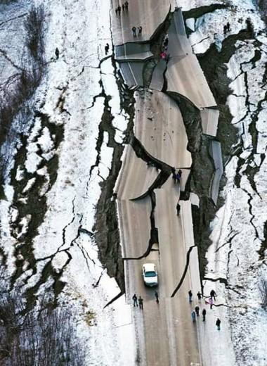 Последствия мощного землетрясения на Аляске: фото и видео