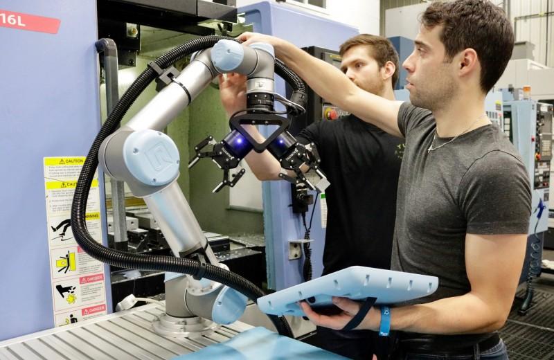Роботы на заводах: к 2025 возьмут на себя четверть задач и будут понимать нас с полуслова