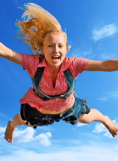 Девушка упала с 80-метровой скалы и выжила! Но как?!