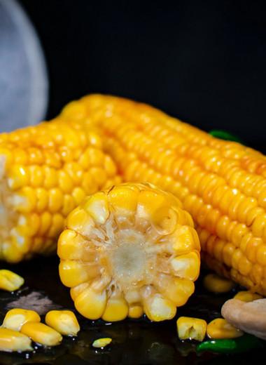 Вареная кукуруза: польза ивред «царицы полей»