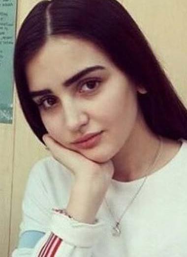 Стиль Дины Саевой: как одевалась блогерша-миллионерша из Таджикистана до славы