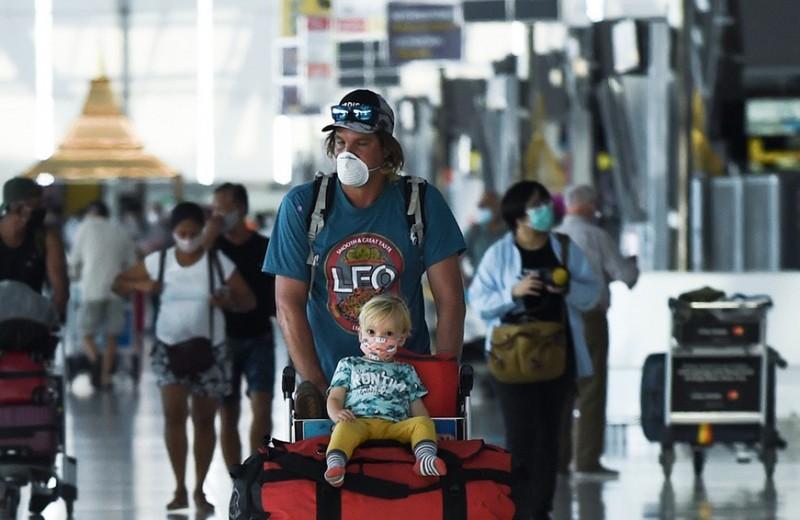 Дорогие билеты, полупустые самолеты и уход лоукостеров: как мы будем летать после пандемии