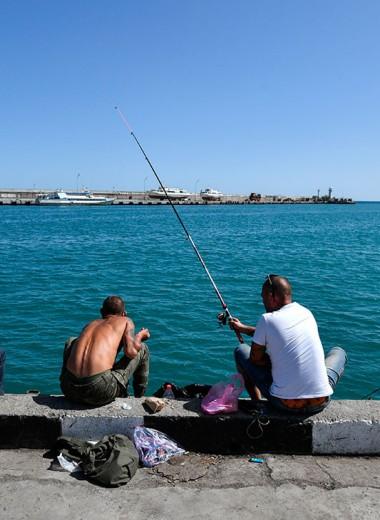 Рынок рыбака видит издалека