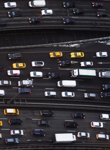 Бедность вынудила россиян брать дорогие кредиты на авто
