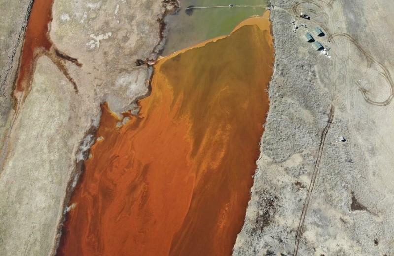 Утечку топлива в Норильске называют экологической катастрофой. Власти отреагировали с опозданием и винят в этом ТЭЦ
