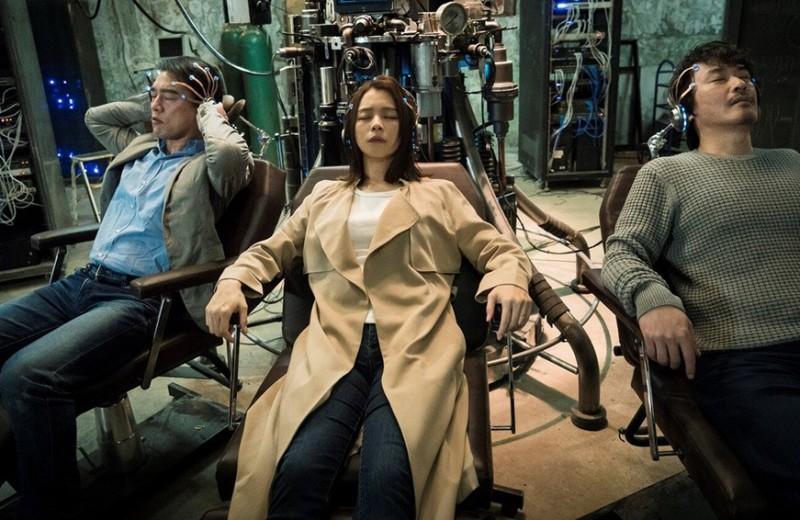 Немного Лавкрафта, биохакеры и детектив о маньяке: какие сериалы стоит смотреть в августе