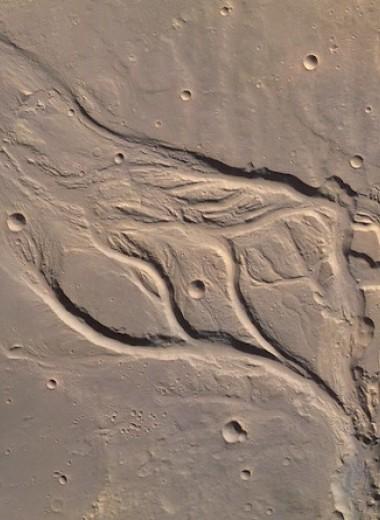 Геологи поместили часть древних марсианских рек под лед