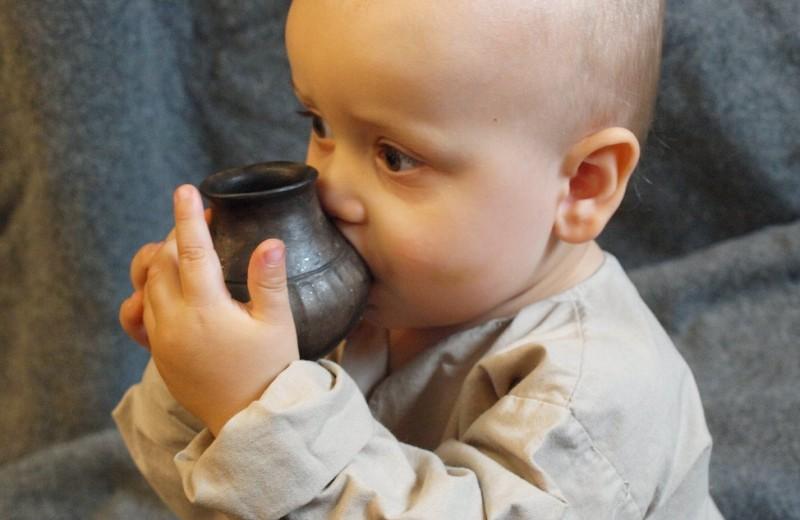 Как выглядели детские бутылочки в эпоху неолита: находки археологов