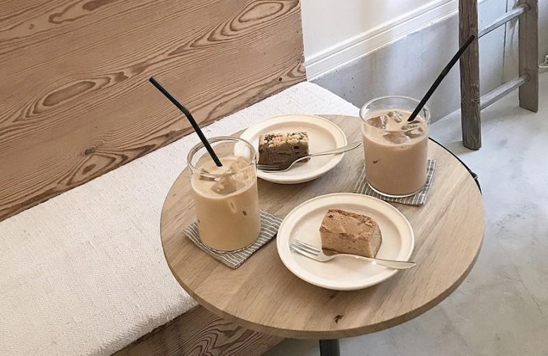 С каким молоком на самом деле нужно пить кофе