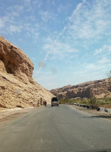 Одна вокруг света на карантине: перестрелка, конвой и пакистанская свадьба