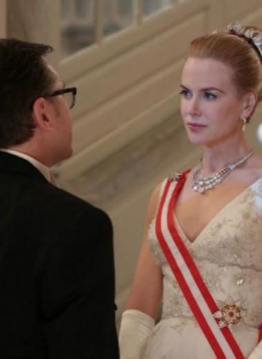 5 типов людей, которые есть в окружении любой женщины-«королевы»