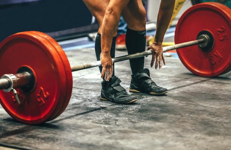 Становая тяга: большой гид по одному из главных упражнений