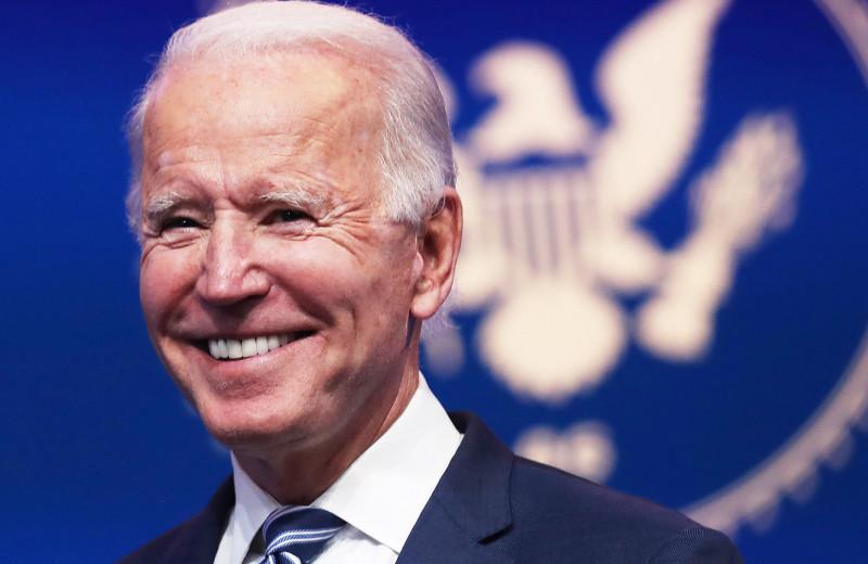 Гибель жены, заикание и аневризма: история Джо Байдена, нового президента США