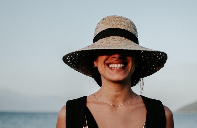 Минус 500 ккал в час: как похудеть при помощи йоги смеха? Базовые упражнения
