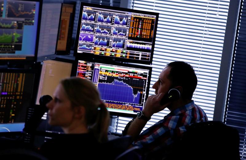 Ставка на осторожность. Что угрожает частным инвесторам в марте