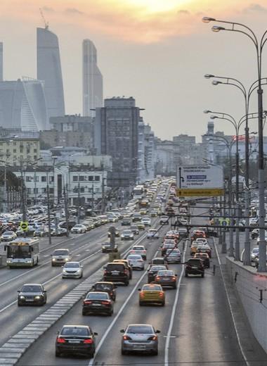 В ЦОДД предложили ввести 50 км/ч в городе. К чему это приведет?