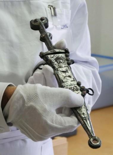 В Германии найден уникальный кинжал римского легионера