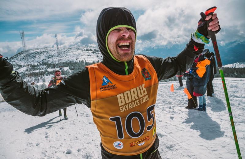 «Вот тропа, бегите!»: зачем красноярец каждый год проводит спортивный марафон, который обходится в миллион рублей