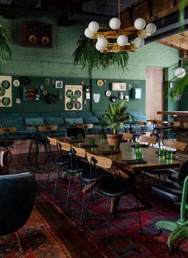 Белая зависть. Что может заставить людей стоять 2,5 часа в очереди в ресторан?