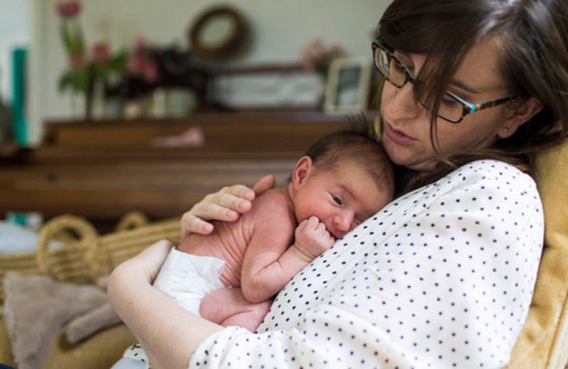 Англичанка не знала, что беременна, и неожиданно родила прямо в спальне