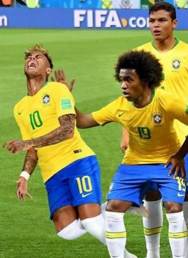 Кто-нибудь, дайте Неймару «Оскар»: мемы о симуляциях бразильской звезды
