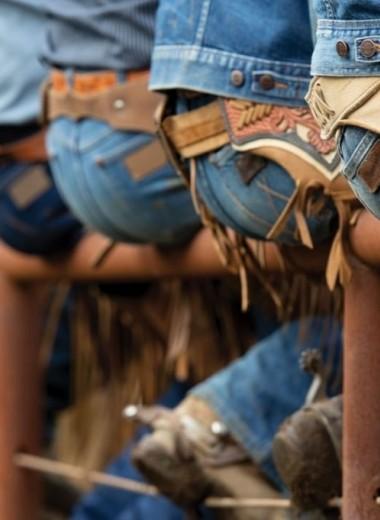 Как правильно выбрать джинсы мужчине: идеальный гид на все случаи жизни