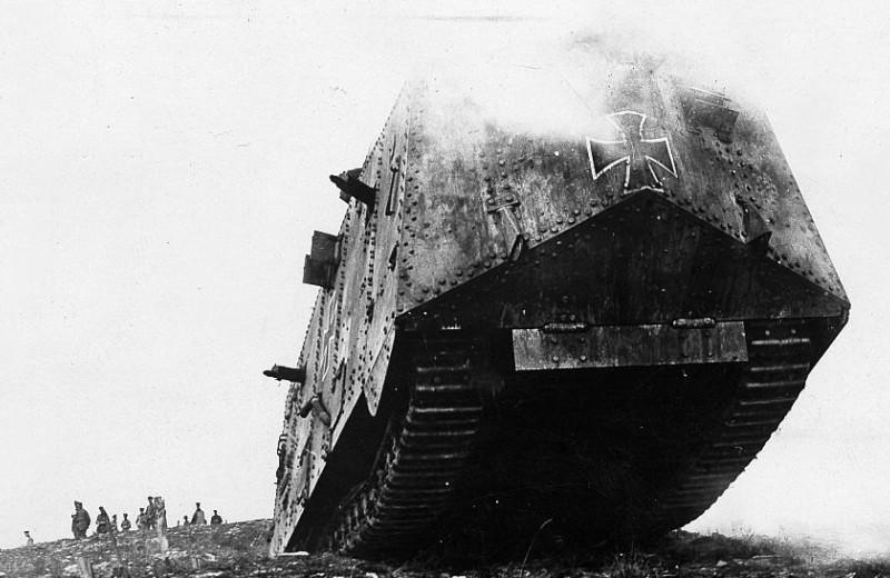 Сто лет со дня первого танкового сражения: как это было