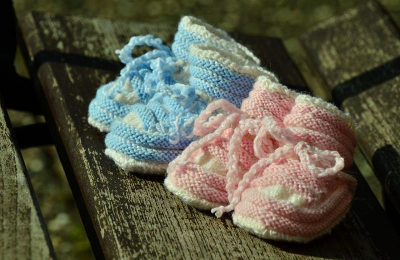 Близнецы, зачатые с разницей в три недели: как такое возможно