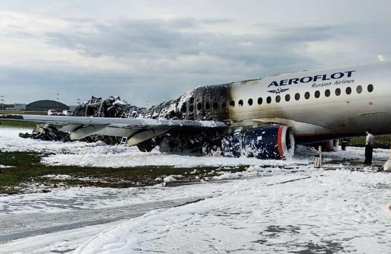 Почему загорелся самолет в Шереметьево: разбор возможных причин