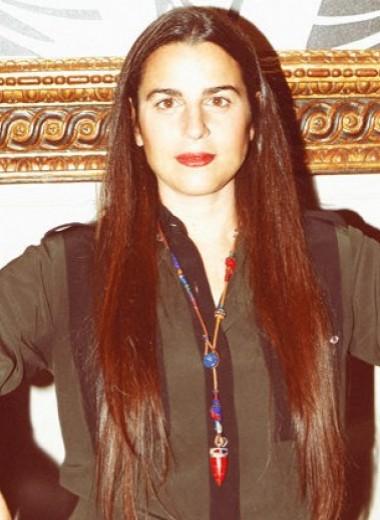 «Я поняла, что попала в сумасшедший мир моды» — Вероника Этро о детстве, любимых принтах и Милане