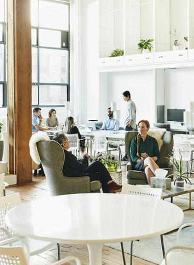 Выйти из кабинета: станут ли российские чиновники эффективнее работать в модном офисе