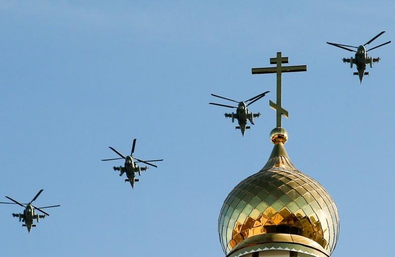 Два союзника простого россиянина: почему мы одобряем церковь и армию