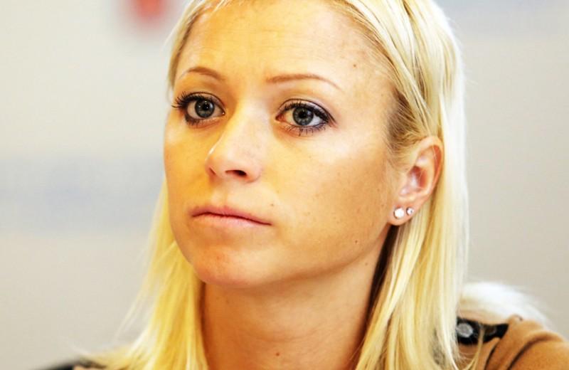 «Я была живым трупом»: Елена Бережная о насилии партнера и романе с Сихарулидзе