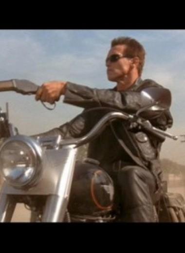 8 занимательнейших историй культового кинооружия
