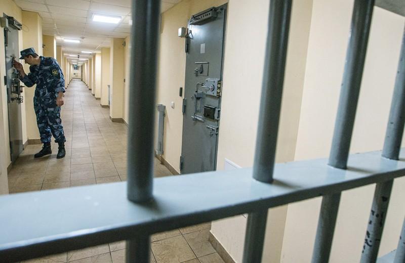 Тюрьмы отправляют на гражданку